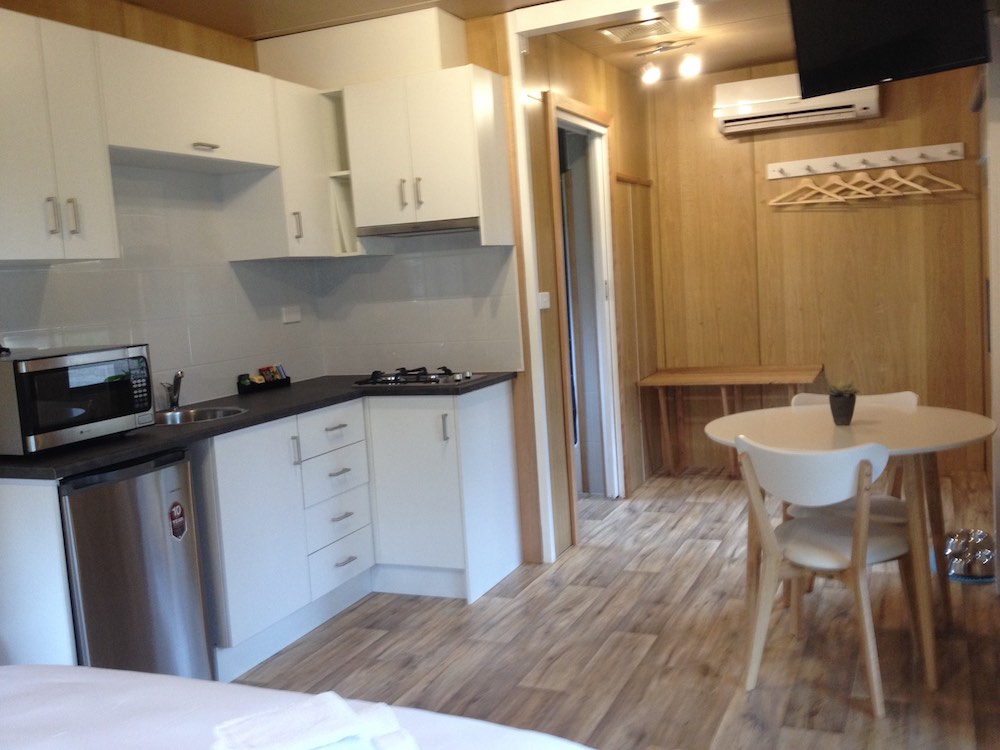 Pet Friendly Cabin - Kitchen Dining Space - Daylesford Holiday Park